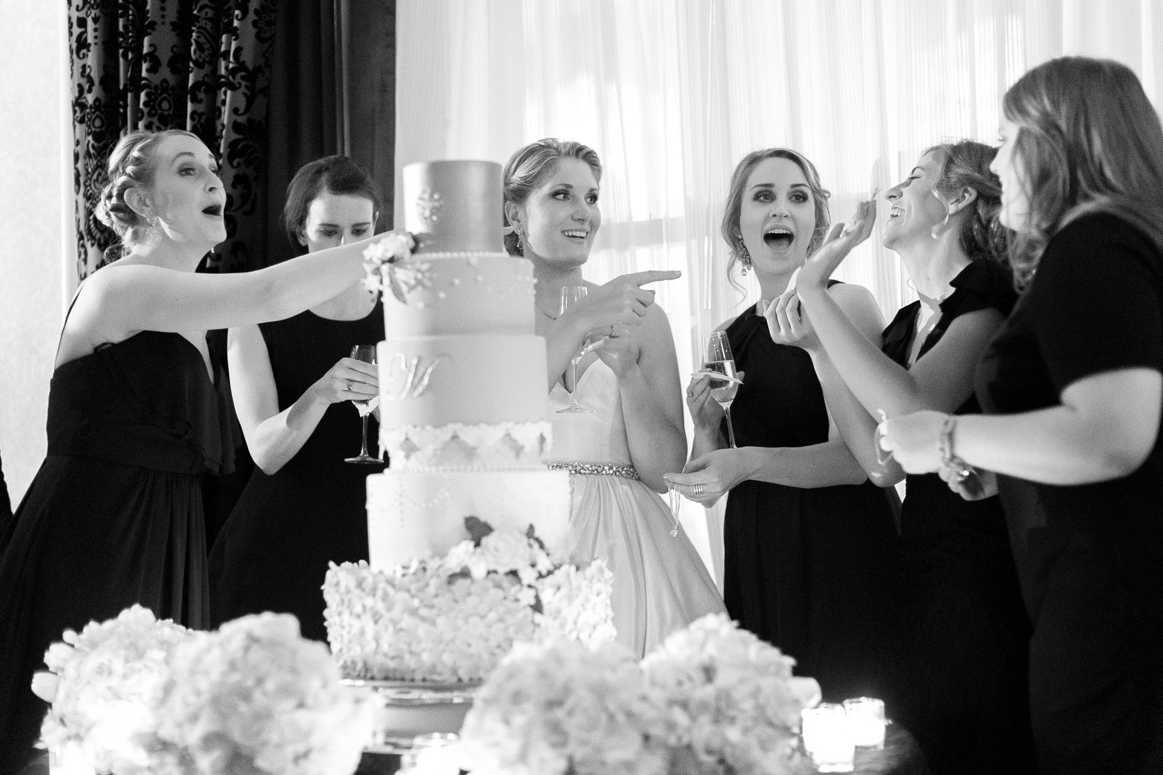 the roosevelt hotel wedding cake pulls