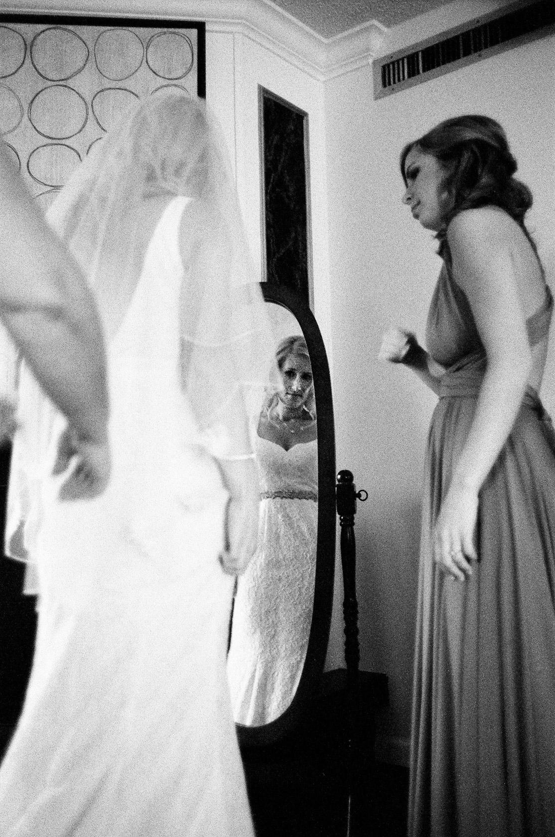 04-Maison Dupuy Wedding on Film