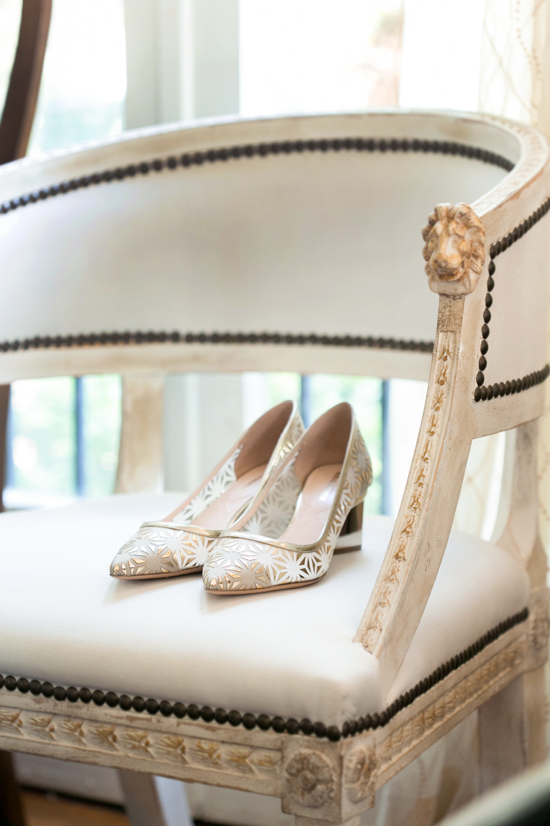 wedding preparation details bride shoes