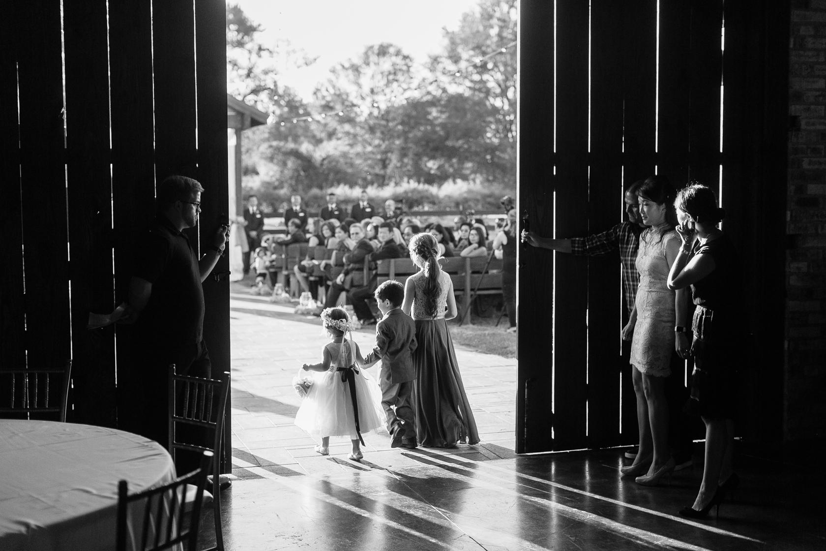 berry barn wedding flowergirls - 02
