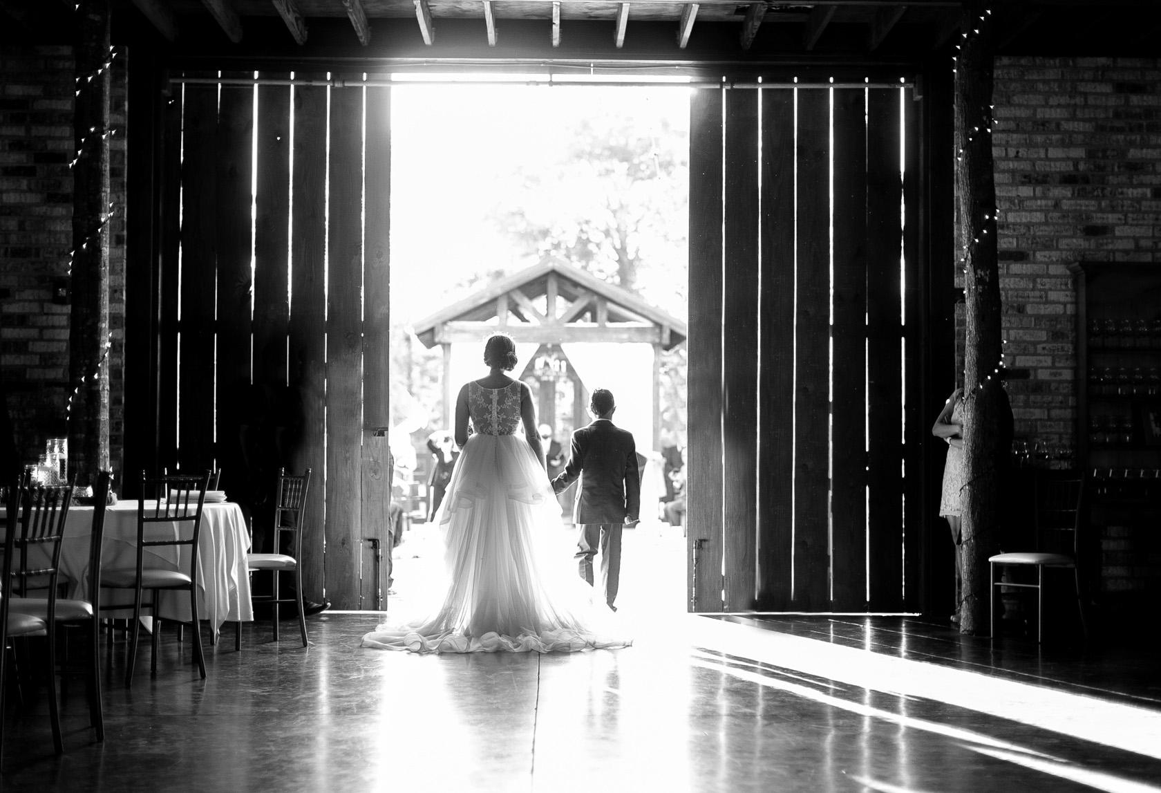 berry barn wedding ceremony - 03
