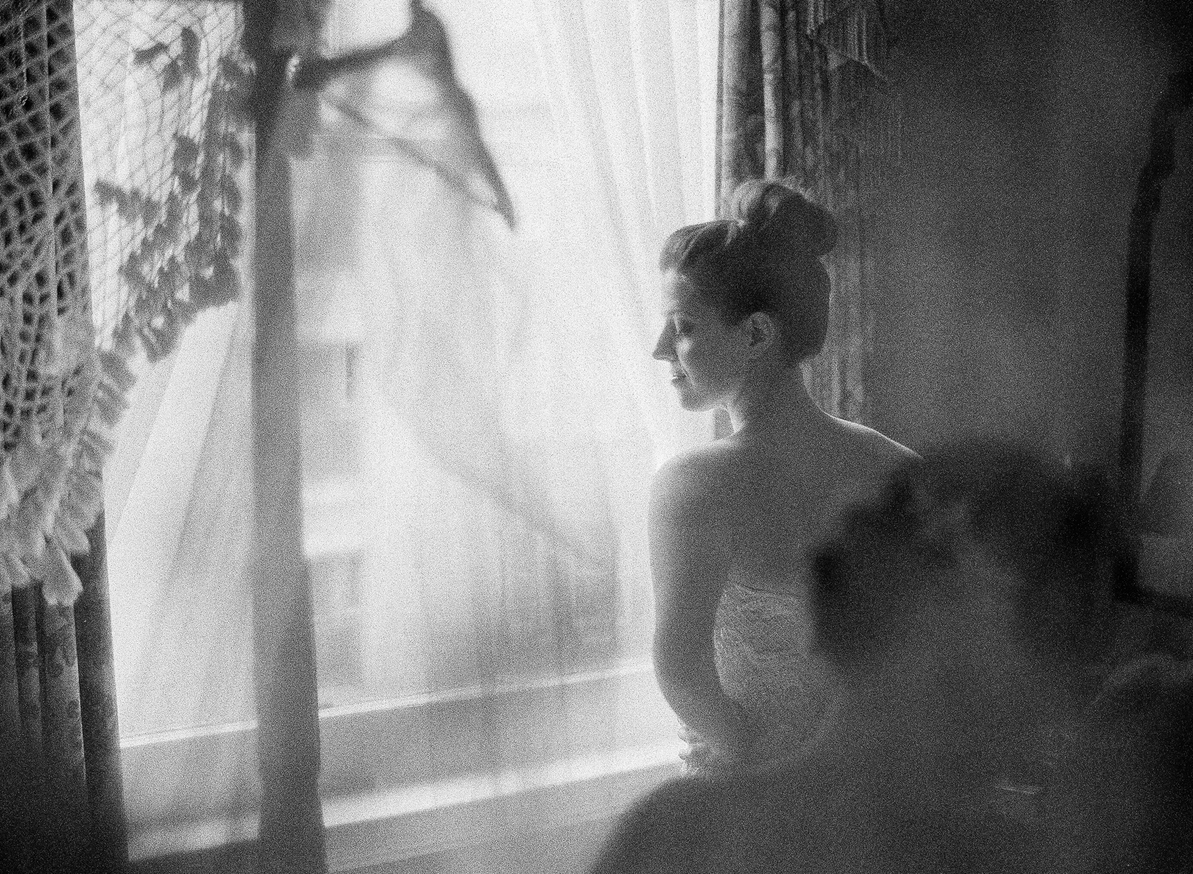 new orleans bridal prep on film at le pavillion