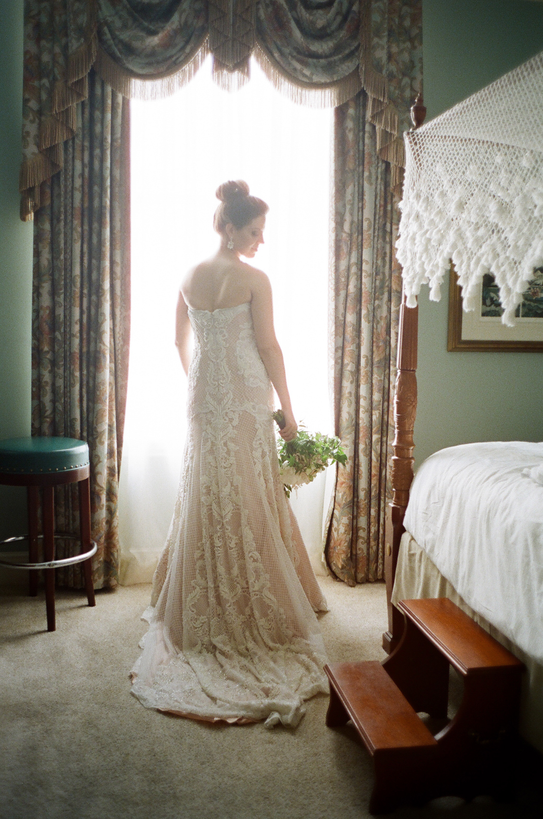 new orleans bridal prep on film at le pavillion 03