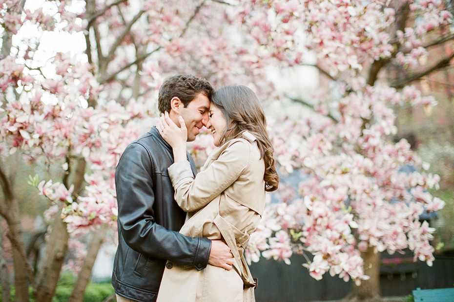 new york city engagement photos with cherry blossoms 03