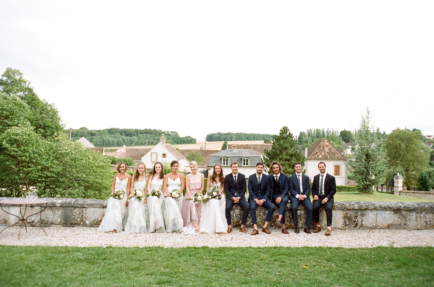 chateau de vallery wedding party
