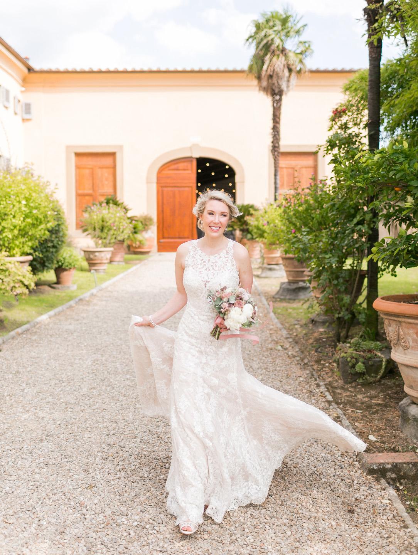 bride at tuscan villa medicea di lilliano