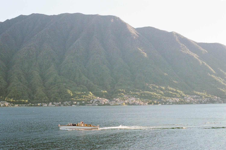 lake como boat