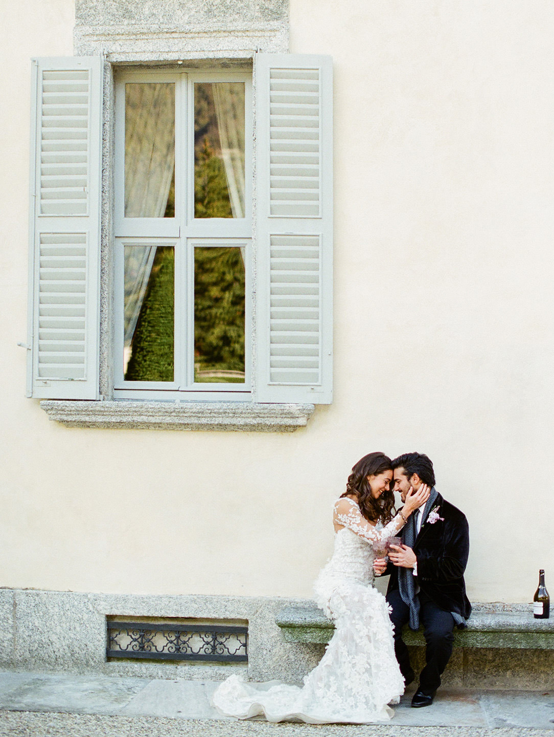 lake como elopement bride and groom celebrate